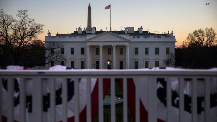 Puesta de sol en la Casa Blanca el 19 de enero, la última noche de presidencia de Donal Trump.